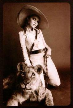 Stephanie Farrow wearing an outfit from the Biba catalogue, photographer: Hans Feurer.