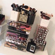 "queen-with-goals: ""gxldbarbie: "" 💅🏼 "" Glam, luxury & ambition xo "" Makeup Is Life, Beauty Makeup, Makeup Dupes, Makeup Cosmetics, Rangement Makeup, Makeup Storage Organization, Makeup Wallpapers, Make Up Organiser, Makeup For Teens"