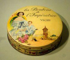 Boîte en tôle ancienne publicitaire les bonbons de l Impératrice ~'Vichy