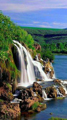 Fall Creek Falls and Snake River Idaho Top Most beautiful waterfalls in the world Beautiful Waterfalls, Beautiful Landscapes, Uk Landscapes, Beautiful World, Beautiful Places, Beautiful Scenery, Beautiful Pictures, Snake River Canyon, Smoky Mountain National Park