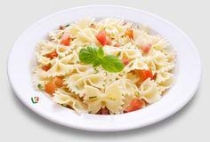 Паста фарфалес пресни домати: Лека паста с домати и сметана, приготвена по италианска рецепта. Много е вкусна!