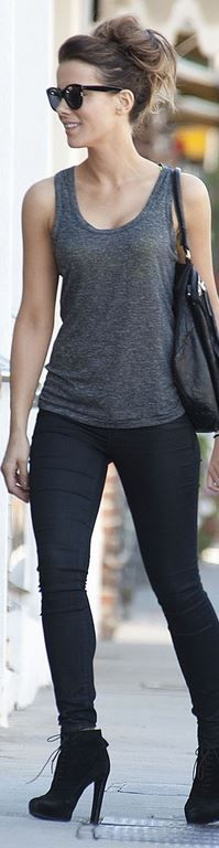 Who made Kate Beckinsales black skinny jeans leather handbag and black sunglasses? (OutfitID) - Prada Heels - Ideas of Prada Heels - Kate Beckinsale black skinny jeans Summer Fashion Outfits, Cool Outfits, Girl Fashion, Casual Outfits, Womens Fashion, Kate Beckinsale, Selena, Robin, Pearl Harbor