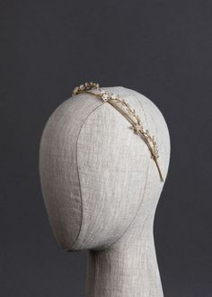 The Blanchett delicate wedding crown is the definition of effortless bridal luxury. Bridal Crown, Headpiece Wedding, Bridal Tiara, Wedding Veils, Bridal Headpieces, Bridal Earrings, Gold Wedding, Wedding Crowns, Wedding Hair