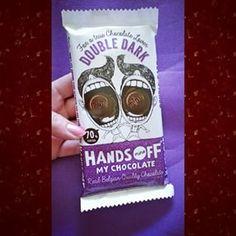 Met zo een leuke wikkel moet ik het gewoon kopen! Hands off my chocolate 70% #cacoa #chocolade #chocolate #Belgium #belgischechocolade