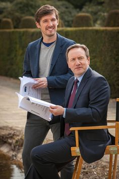 Meet the latest Det Sgt in Midsomer, Gwilym Lee as DS Charlie Nelson with DCI John Barnaby of 'Midsomer Murders'. British Mystery Series, Mystery Show, Midsomer Murders, Tv Detectives, Detective Series, Bbc Drama, Miss Marple, Great Tv Shows, Tv Episodes