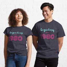 """Vintage 1980 - 40th Birthday Gift"" T-shirt. Legendary since 1980 retro birthday unisex design. Don G, Retro Vintage, Vintage Style, Retro Art, Vintage Travel, Thing 1, To Infinity And Beyond, Halloween Kostüm, Halloween Designs"