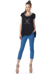 #Capri_pants#blue & #boxy_top with #strass Boxy Top, Slim Fit Pants, Long Pants, Workout Pants, Capri Pants, Fitness, Blue, Fashion, Stocking Tights