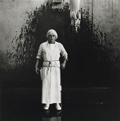 Ronny Lewis, labourer, abattoir pig chain, Christchurch 1982. From the series: Working men - Collections Online - Museum of New Zealand Te Papa Tongarewa