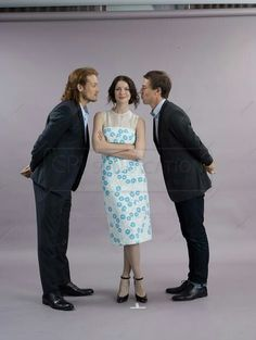 Pictures of the Outlander Cast at Comic Con 2014.