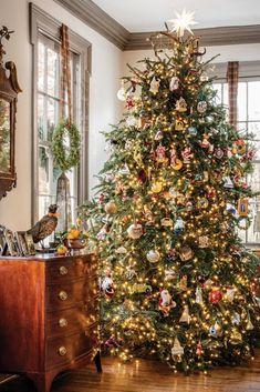 White Christmas Trees, Noel Christmas, Merry Little Christmas, Country Christmas, Beautiful Christmas, Christmas Tree With Ornaments, Christmas Christmas, Christmas Ideas, Cottage Christmas