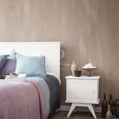 Fresco is a Lime paint which is all NATURAL and has a unique appearance. Stunning for any interior. Colour used here is 'old Romace' Lime Paint, Interior Design Advice, Bedroom Paint Colors, Paint Colours, Pink Walls, Textured Walls, Home Bedroom, Marrakech, Fresco