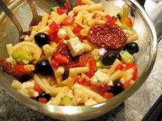 Recette de Salade de pâtes à la grecque : la recette facile