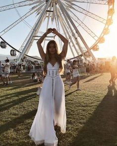 Whether you're going to Coachella, Lollapalooza, or the like, we're sharing some of our favorite music festival outfits of all-time to inspire your look! Coachella Festival, Coachella Dress, Coachella Looks, Music Festival Outfits, Music Festival Fashion, Fashion Music, Coachella Outfit Ideas, Coachella Style, Summer Festival Outfits
