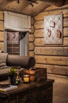 OPPLEV NYE RØROSHYTTA VISNINGSHYTTE!   FINN.no Wooden Cabins, Wooden House, Log Cabins, Log Wall, Timber Cabin, Log Cabin Living, Outside Room, Little Cabin, Cottage Furniture
