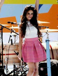 Camila Cabello - Fifth Harmony Isn't she just amazing (':