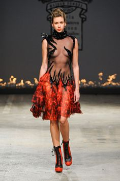 On Aura Tout Vu at Couture Spring 2012 - Livingly