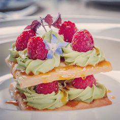 Le Pario Paris - Rasberry Waffle #bistronomy #parisfoodies #foodporn #foodtraveller #foodie #nomnomnom