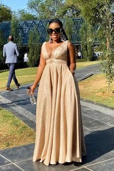 High Waisted Full Flare Dress – Styles By Tumi African Bridesmaid Dresses, African Maxi Dresses, African Dresses For Women, African Attire, Wedding Dresses For Kids, Wedding Ideas, Stylish Dresses, Fashion Dresses, Black Peach