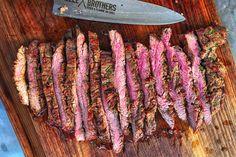 Marinade Für Steaks, Beef Kabob Marinade, Steak Kabobs, Marinated Steak, Strip Steak, Fillet Steak Recipes, Steak Braten, Chopped Steak, Food