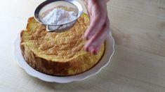 Una volta cotta la torta fatela raffreddare per qualche minuto, estraetela dallo stampo e ricopritela di zucchero a velo. Servitela e gustatela sia tiepida che fredda e conservatela a temperatura ambiente in una contenitore ermetico, per circa 3 giorni. 3, Camembert Cheese, Cheesecake, Asia, Desserts, Food, Environment, Food Cakes, Tailgate Desserts
