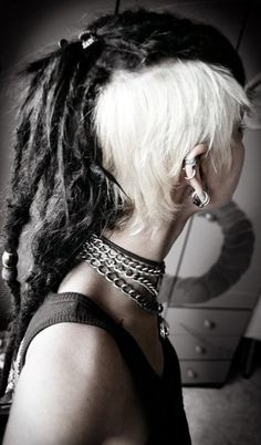 Contrast white sidecuts with dreads. Alternative hair scene style. #dreadhawk #dreadlocks