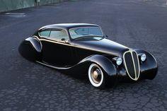 "Metallica's James Hetfield wins custom car of the year for ""Black Pearl"""