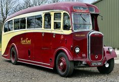 Best classic cars and more! Road Transport, Public Transport, London Transport, Classic Trucks, Classic Cars, Volkswagen Bus, Vw Camper, New Bus, Routemaster