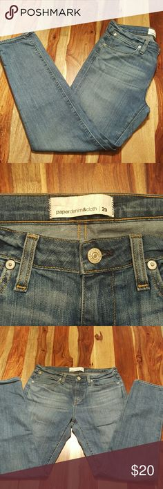 "Paperdenim & cloth Womens Skinny Jeans So soft and comfy. 94% cotton 5% polyester 1% elastic. Tag reads 29. Measurements are: Waist 15"" Hips"" 18.5"" Inseam 29"" Leg opening 6"" paperdenim & cloth Jeans Skinny"
