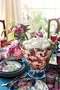 No Southern holiday spread is complete without a trifle recipe on the dessert table. Serve up a bowlful of cheer with our delicious and decadent holiday trifle recipes. Köstliche Desserts, Christmas Desserts, Dessert Recipes, Cake Recipes, Delicious Desserts, Layered Desserts, Easter Desserts, Pudding Desserts, Christmas Foods
