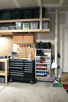 Great use of vertical space for storing infrequently used items. Love the extra storage near the door for frequently grabbed items as you're running out the door.