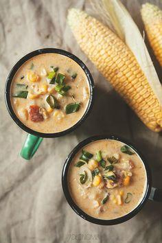 W książkach kulinarnych o kuchni brytyjskiej lub amerykańskiej nie poświęca się zbyt wielkiej uwagi zupom. Z reguły pojawia się zupa pomidorowa, czasem obok można znaleźć kilka przepisów na kremy, ale jeden przepis jest obecny zawsze - pr[...]