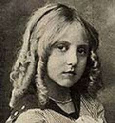 Clara Horton was an actress of the silent era. She made her acting debut at age age, appearing in the film The Homecoming (1912). From 1912 to 1942, she appeared in 88 films to include The Violinist (1914), Us Kids (1916), Huck and Tom (1918), Penrod (1922), Beyond The Trail (1926), Bengal Tiger (1936) and Time to Kill (1942)