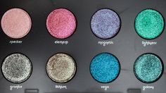 URBAN DECAY Moondust Eyeshadow Palette Shades Flash http://www.magi-mania.de/urban-decay-moondust-eyeshadow-palette-makeup-review-swatches/
