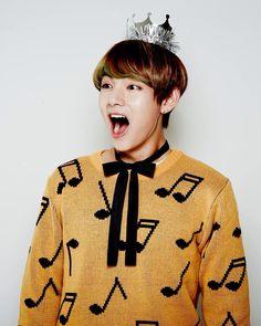 Kim Taehyung ♡ happy happy his happiness makes my day Jimin, Jungkook Jeon, Kim Taehyung, Bts Bangtan Boy, Taehyung Gucci, Daegu, K Pop, Boy Band, Kdrama