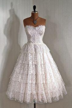 1950s Lace Dress - gorgeous!