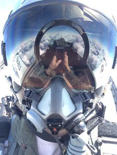 Jet Fighter Pilot, Fighter Jets, Air Fighter, Fighter Aircraft, Military Jets, Military Aircraft, Photos Du, Cool Photos, Special Forces