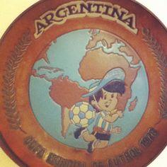 El gauchito del Mundial '78 en la casa de @amrothinuviel cc @bernardomdq @fonzie_ar @sebaeyzaguirre7
