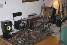 Nice to see a studio without a battalion of knobs, bells and whistles