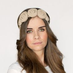 Create the ultimate summer accessory, an aurora headband! Free crochet pattern available!