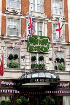 Rubens at the Palace Hotel Buckingham Palace Road, London