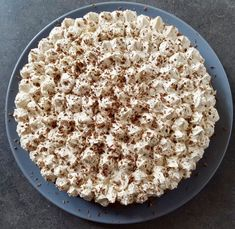Koolhydraatarme mokkataart – Judoka Margriet Bergstra Healthy Baking, Healthy Snacks, Low Carb Recipes, Baking Recipes, Sports Food, Light Desserts, Sweet Pie, High Tea, Delicious Desserts