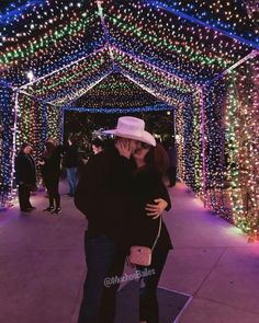 Cowboy Outfit For Men, Cute Cowgirl Outfits, Rodeo Outfits, Couple Goals Teenagers, Cute Couples Goals, Cute Couple Videos, Cute Couple Pictures, Relationship Goals Pictures, Cute Relationships
