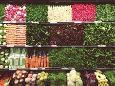 La forma cuadrada de la colocación de los alimentos y la distribución de los colores de las verduras