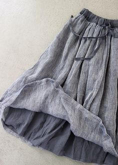 Something so marvelous about the texture of linen: nubby and soft at the same time! Muslim Fashion, Hijab Fashion, Boho Fashion, Fashion Outfits, Womens Fashion, Fashion Design, Fall Fashion, Linen Skirt, Linen Dresses