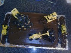Dirt cake for 4 years old boys Birthday cake!!