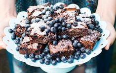 Mustikkabrowniet / Blueberry brownies / Kotiliesi.fi / Kuva/Photo: Riikka Hurri/Otavamedia