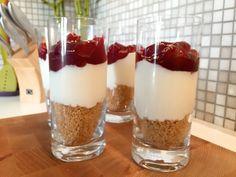kersen toetje met yoghurt