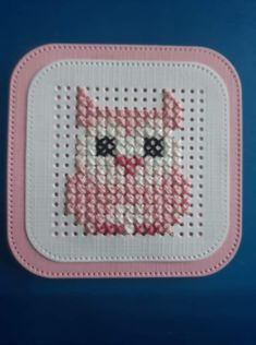 Tiny Cross Stitch, Cross Stitch Cards, Cross Stitching, Cross Stitch Embroidery, Cross Stitch Patterns, Owl Crafts, Diy And Crafts, Arts And Crafts, Paper Crafts