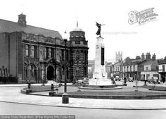 Street Football, Salford City, History Photos, My Heritage, Local News, British History, Second World, Photo Archive, World War Two