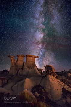 The Sentinals - Pinned by Mak Khalaf The Sentinels also known as The Three Kings or The Three Wise Men. hoodoos in the Valley of Dreams region of the New Mexico Badlands USA. Landscapes badlandsnightstarsdesertstarcosmoshoodoosmilky waywildernessastrophotographynight skymilkywaygalaxynight photographynightscapenight landscapeerosionstarry nightlandscape astrophotographywide field astrophotographythe heavensthe sentinelsthe three wise menwayne pinkstonhttp://bit.ly/2i2Sl5G of dreamsvalley of…